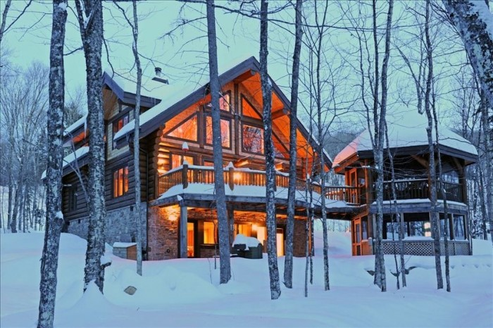 Winter cottage viewing melanie hevesi re max haliburton for Cabin rentals in montreal canada